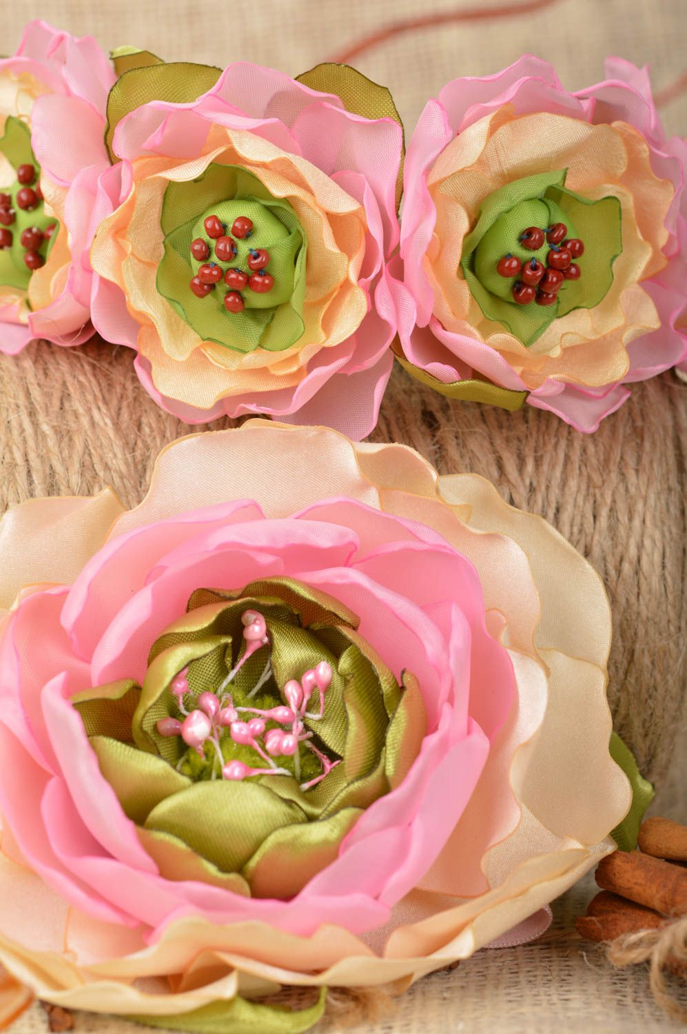 Set of handmade pink floral accessories 2 items headband and brooch photo 1