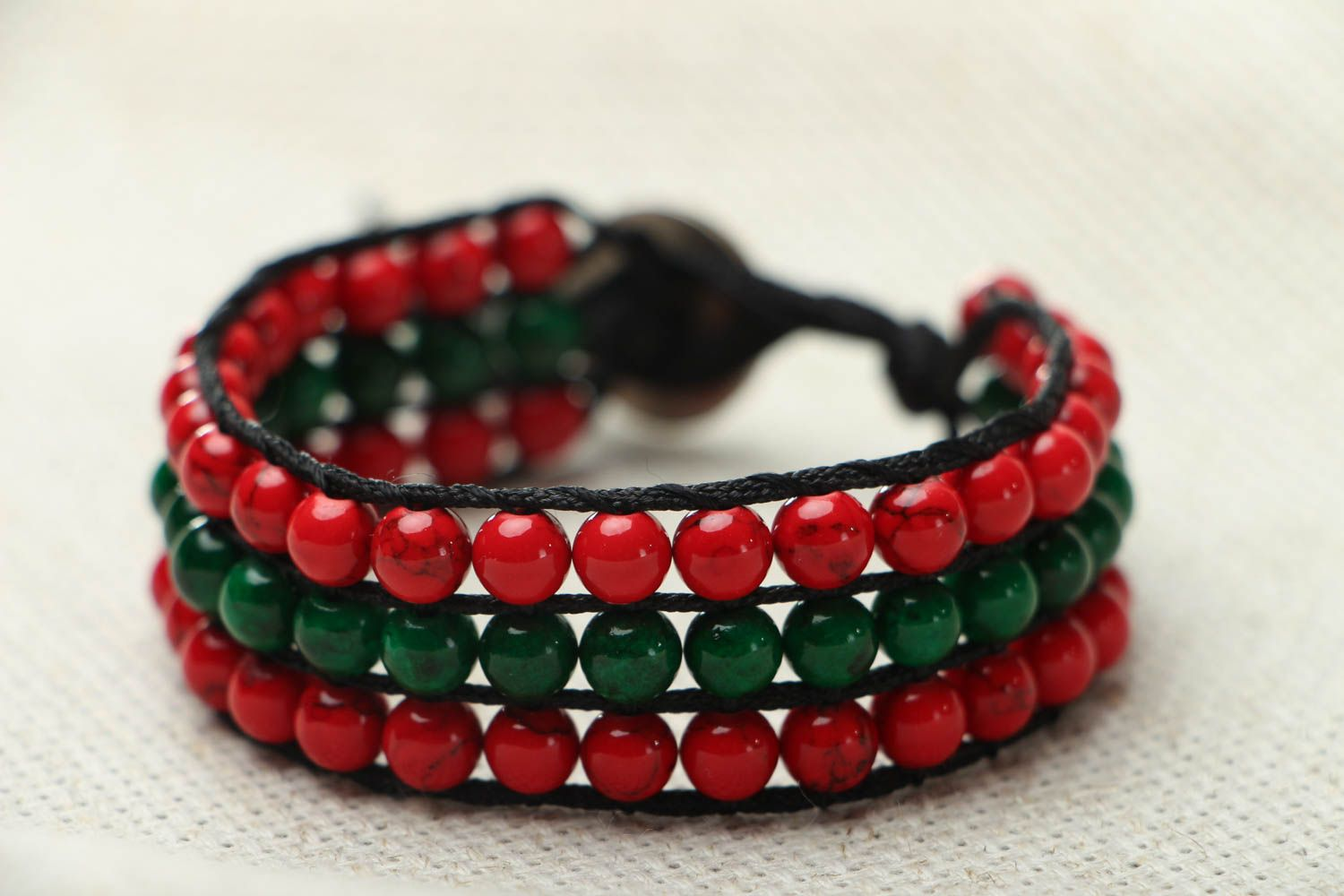 Bracelet with multi-colored beads photo 2