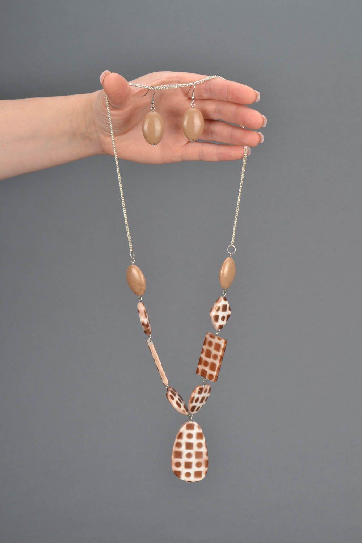 Unusual jewelry set with beads photo 2