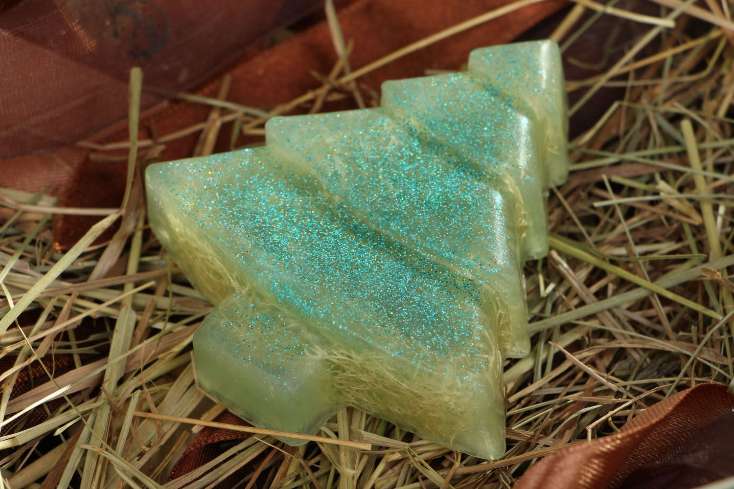 Natural soap scrub in the shape of a fir tree photo 4