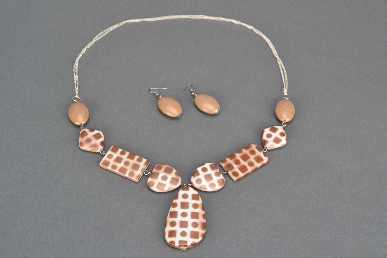 Unusual jewelry set with beads photo 3