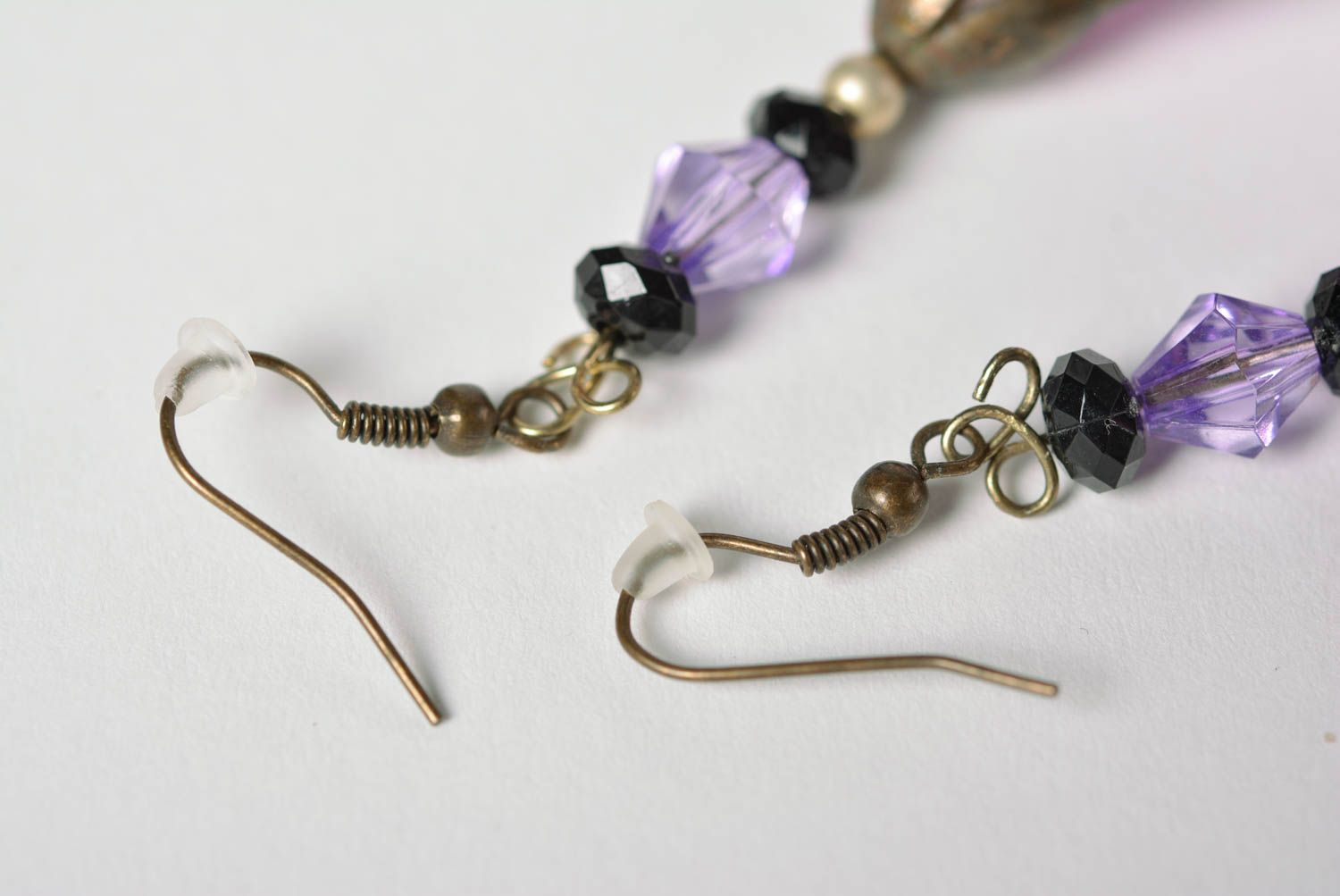 Handmade Japanese polymer clay dangling  earrings with long violet flowers photo 4