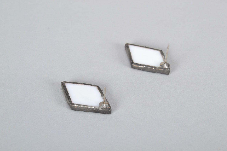 Diamond-shaped glass earrings photo 3