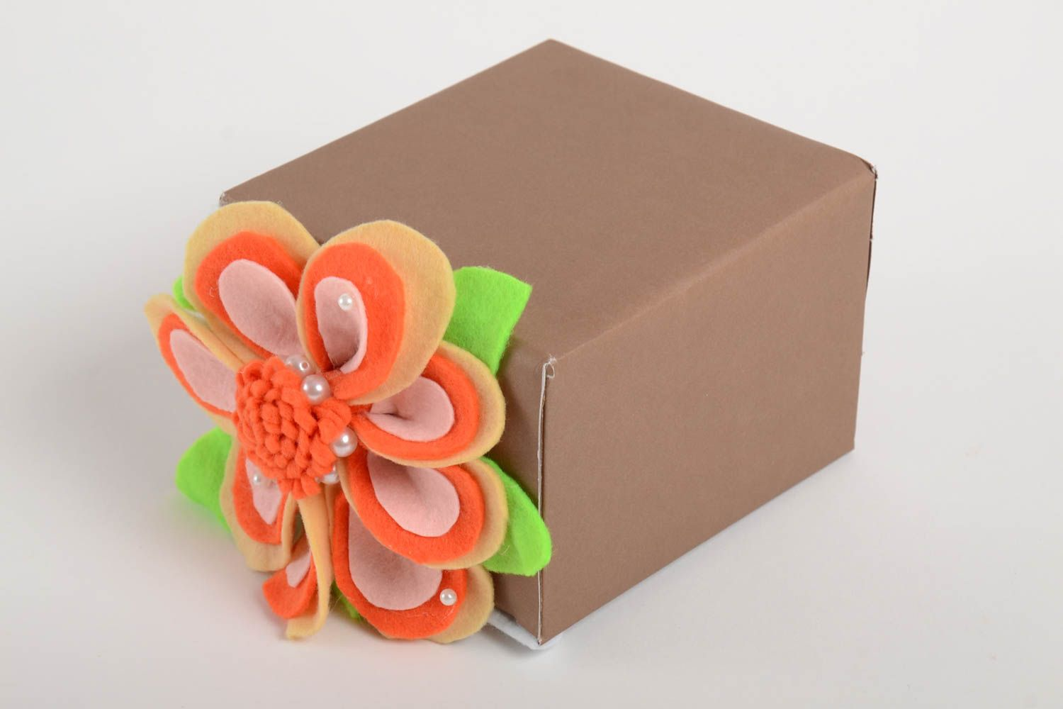 birthday Handmade gift box cardboard gift bow gift wrapping ideas boxes for girls - MADEheart.com