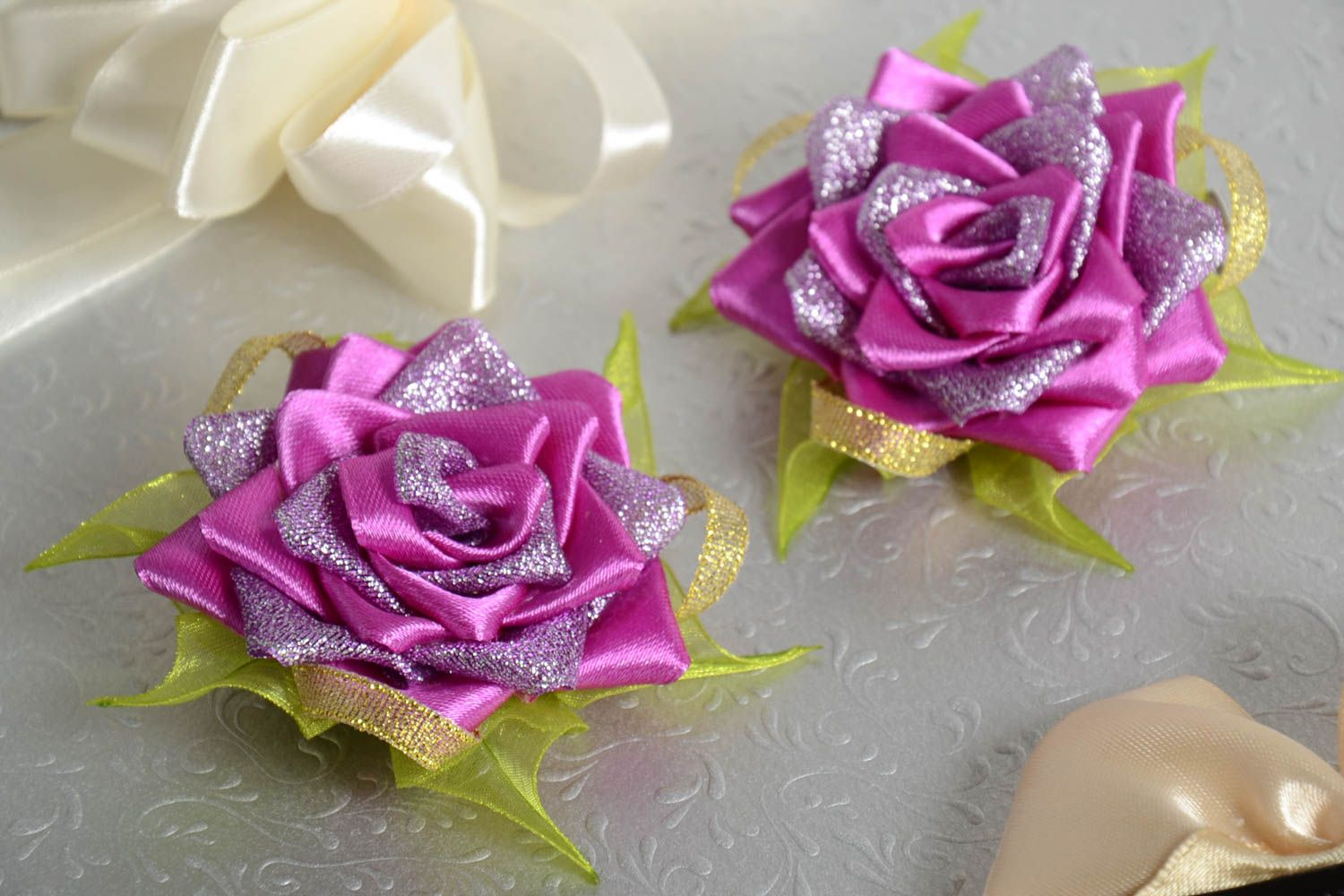 Hair clips in shape of flowers handmade designer accessories stylish hair clips photo 1