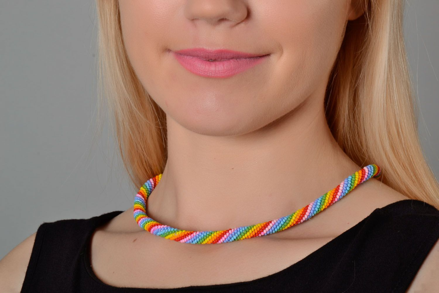 Beaded cord necklace Bright photo 1