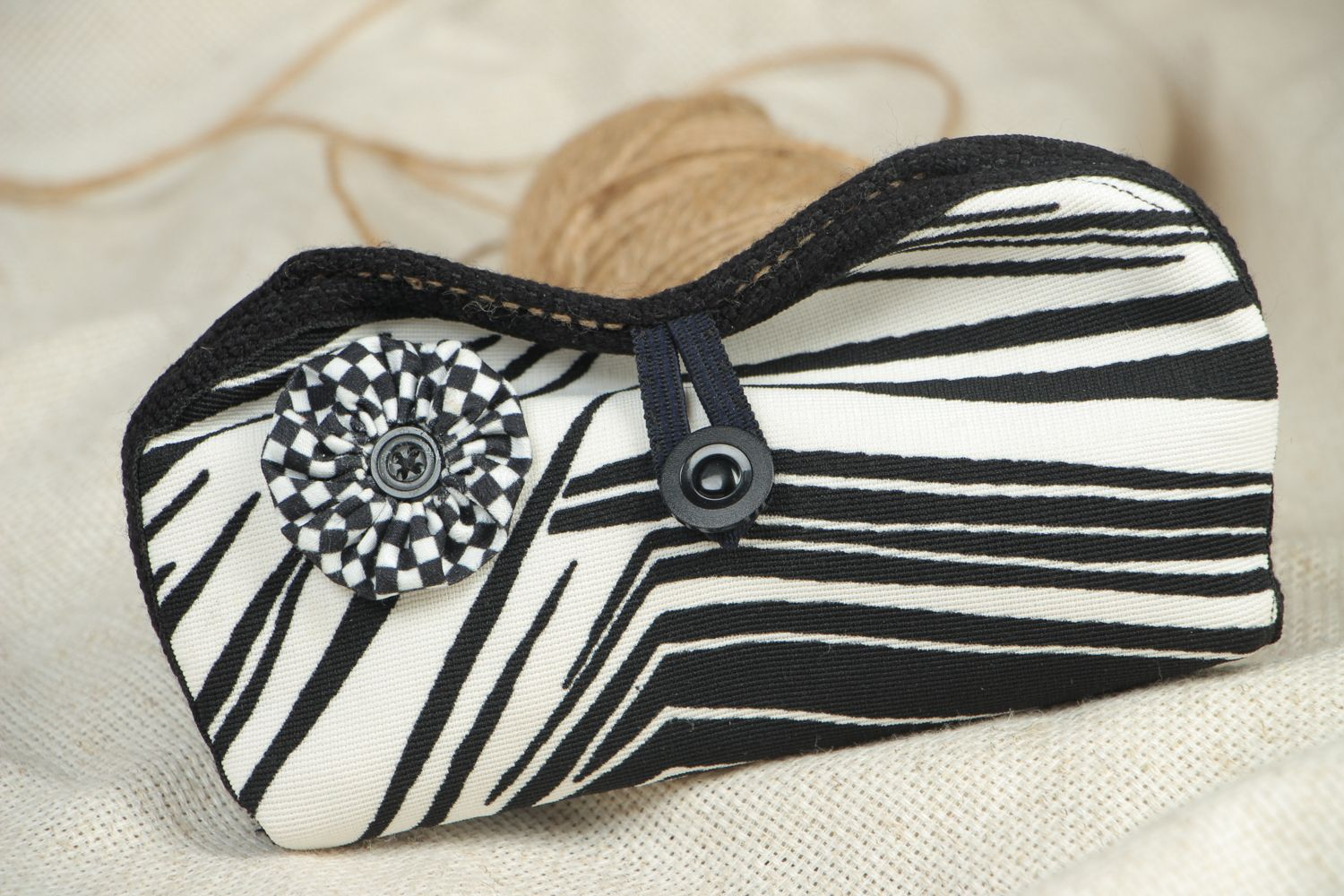 Black and white eyeglass case with button photo 5