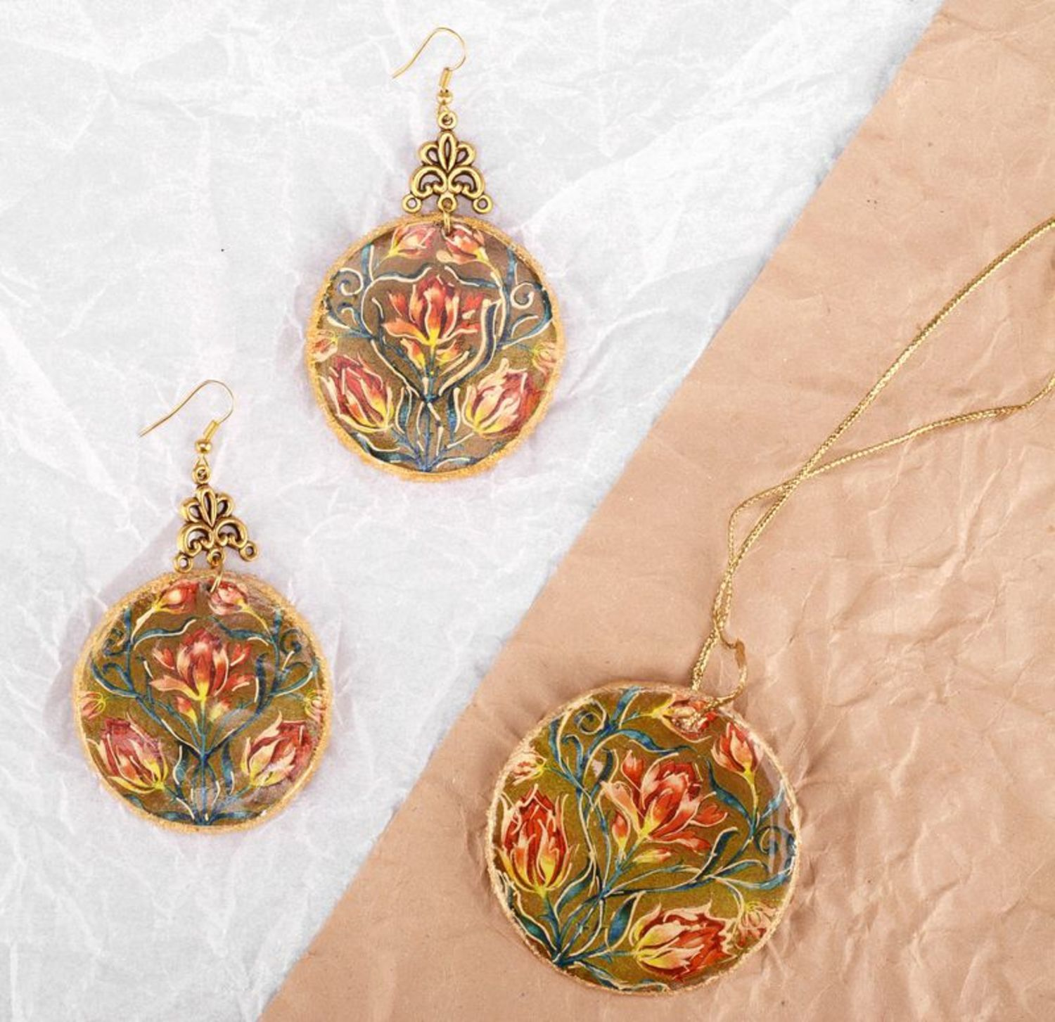 jewelry sets Jewelry set (earrings and pendant)