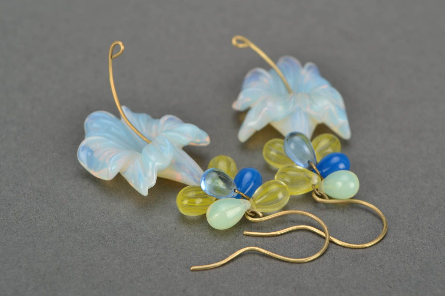 Handmade designer dangling earrings with tender Czech glass flowers photo 3