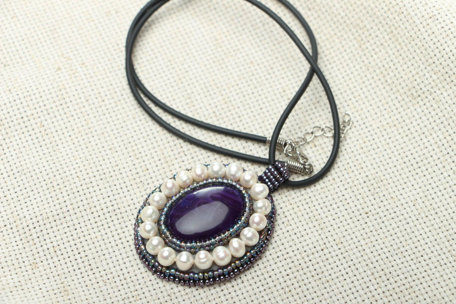 Homemade pendant with amethyst and pearls photo 1