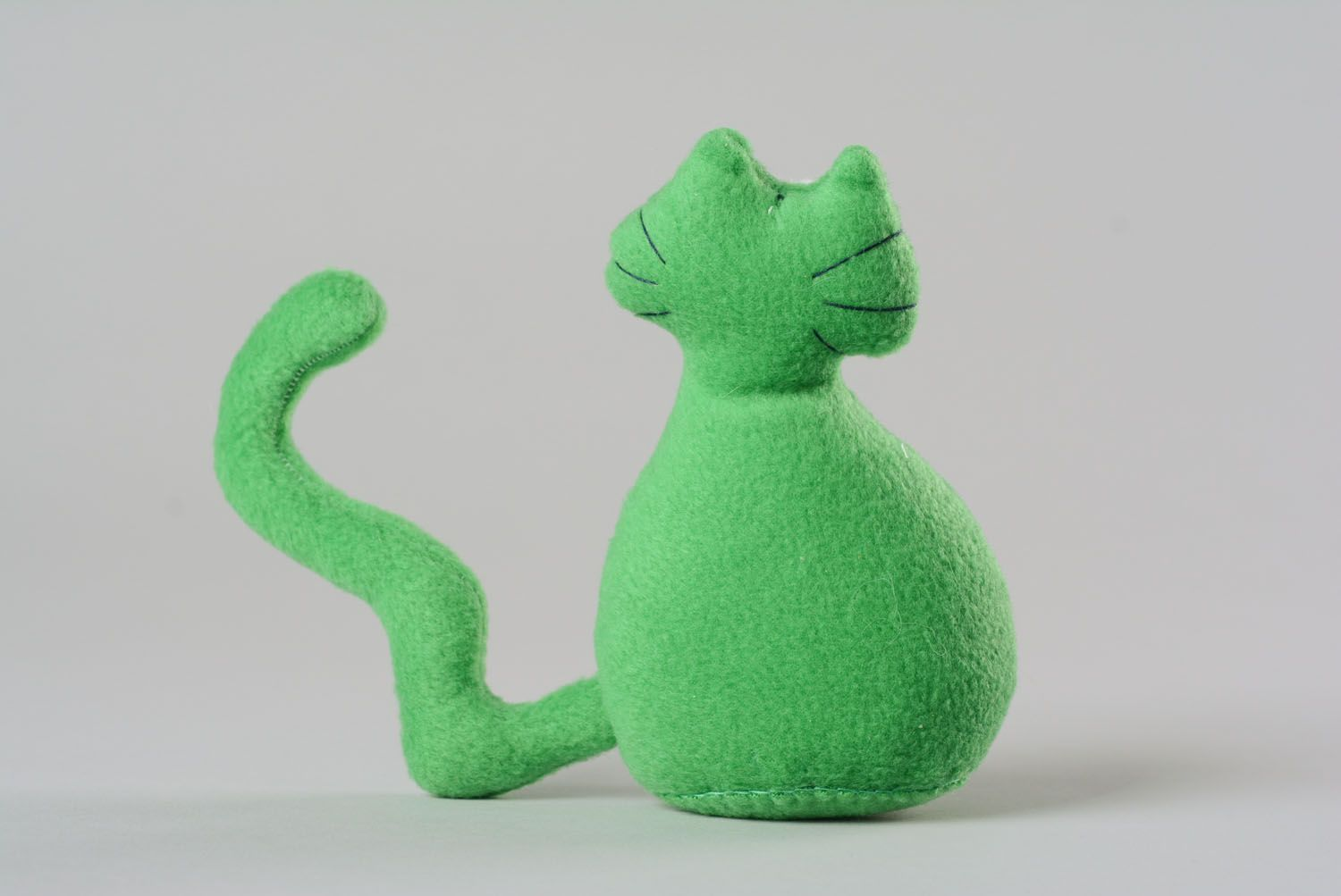 Soft toy in the form of a cat photo 3