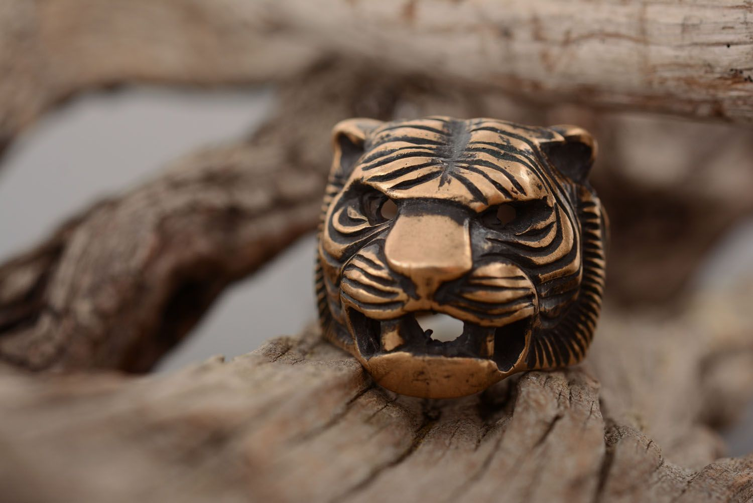 Bronze ring Head of a Tiger photo 1
