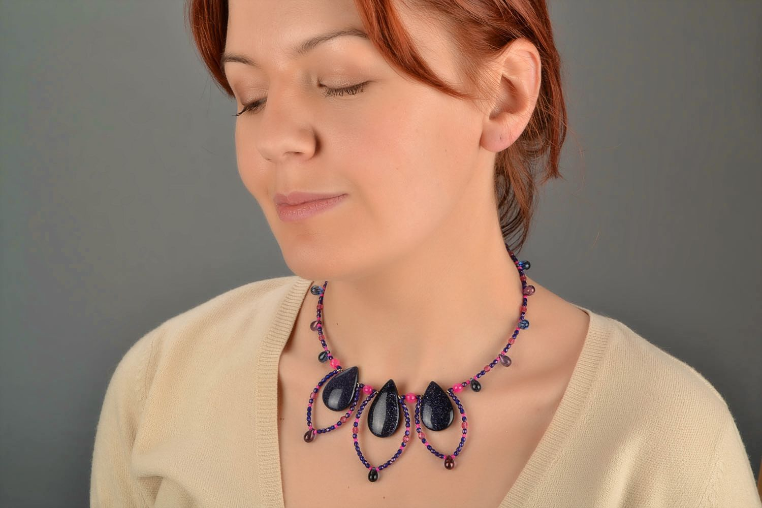 Handmade designer necklace with natural agate and faux aventurine stone photo 5