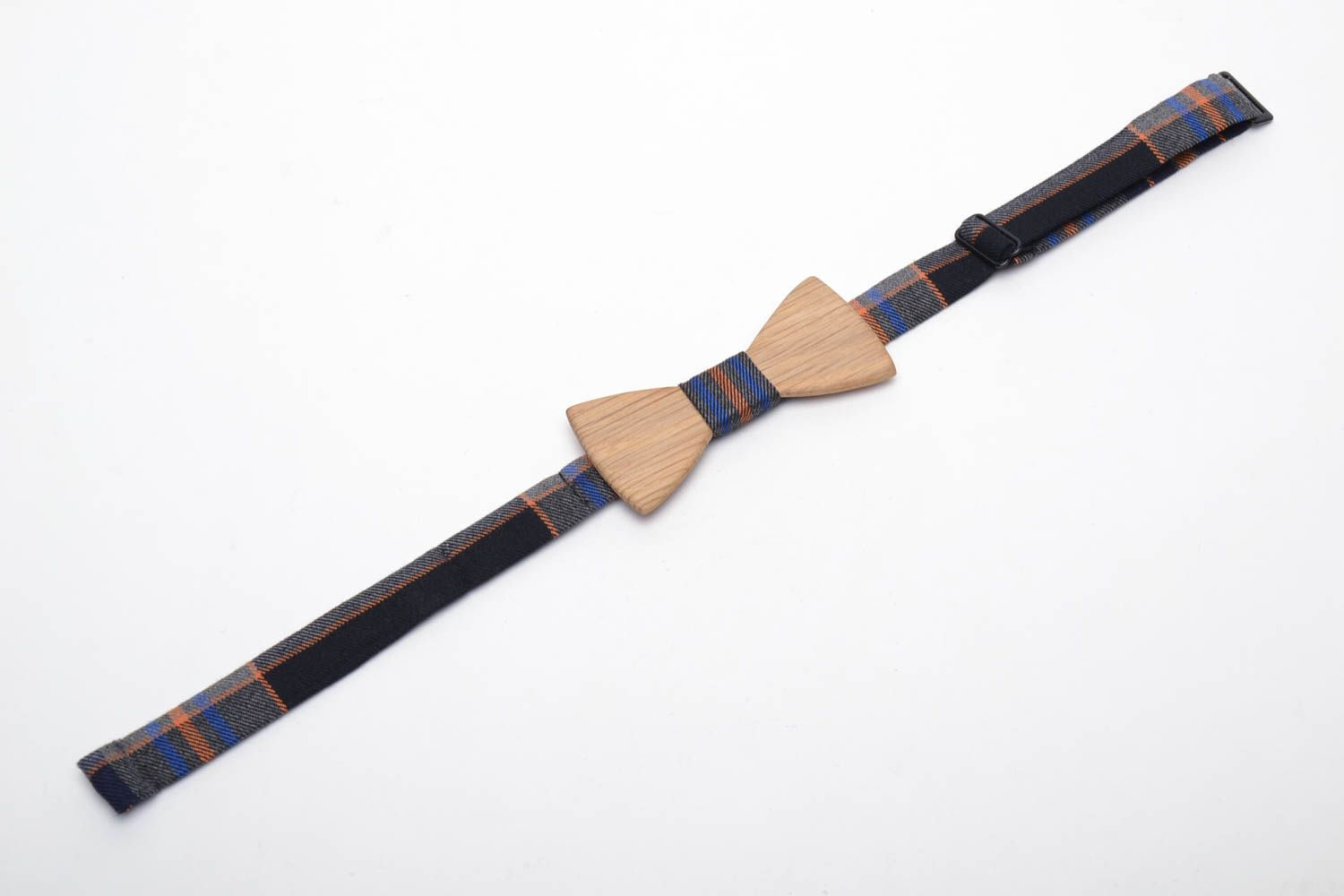 Handmade wooden bow tie photo 3
