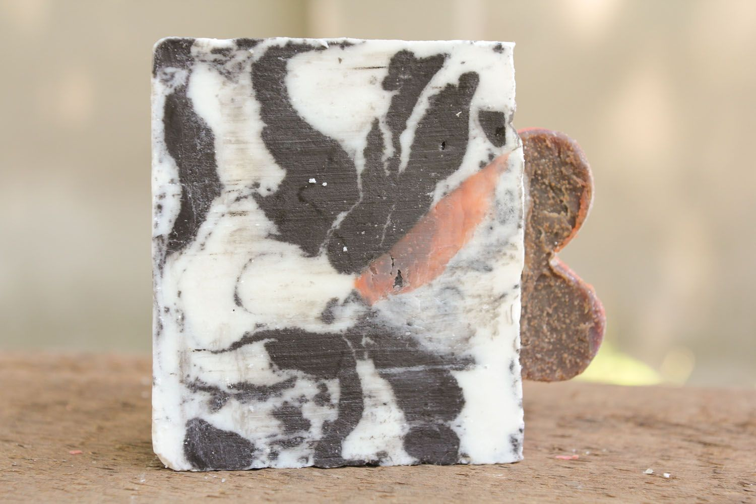 Soap with grape and apricot seeds photo 3