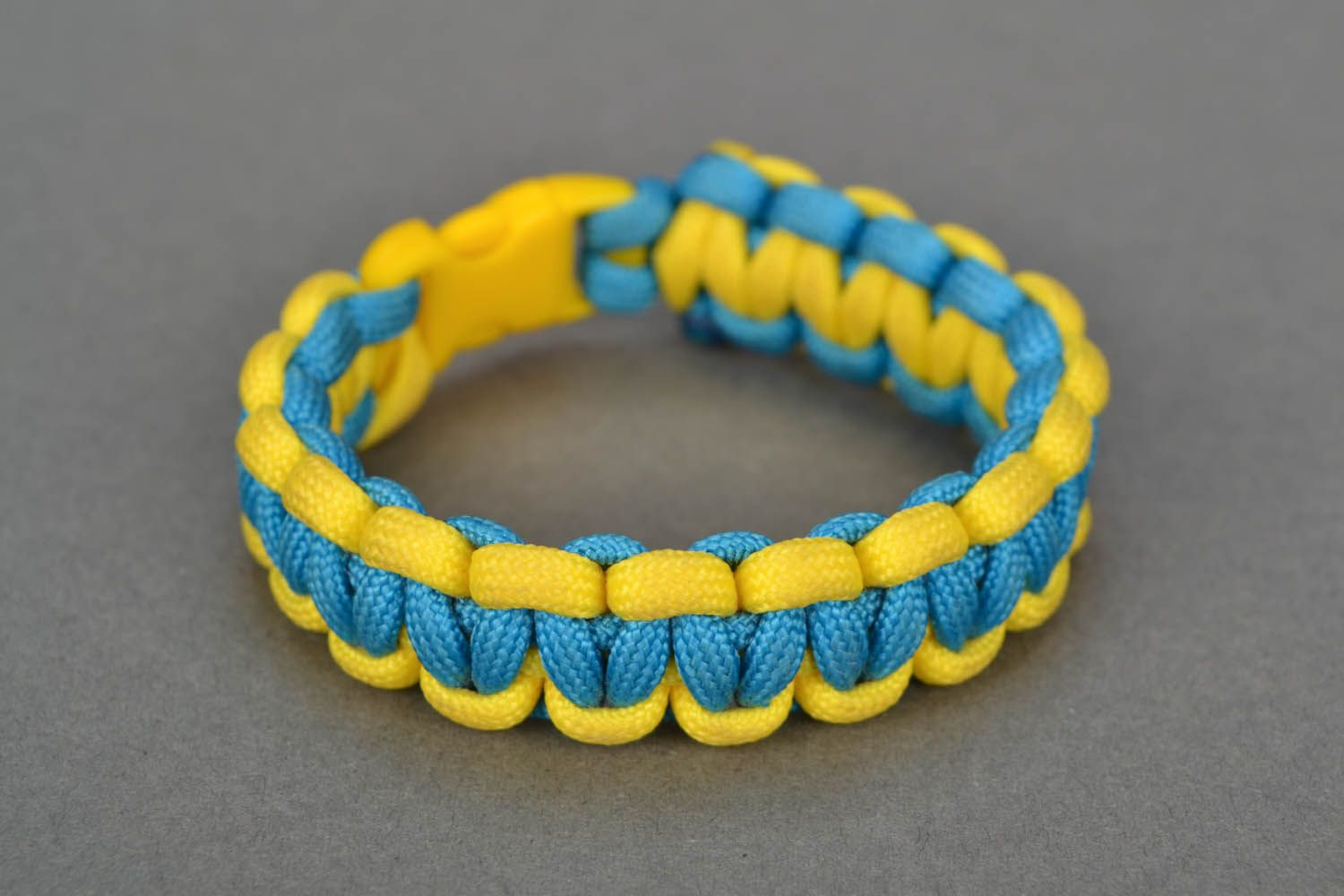 Paracord bracelet Ukraine photo 2