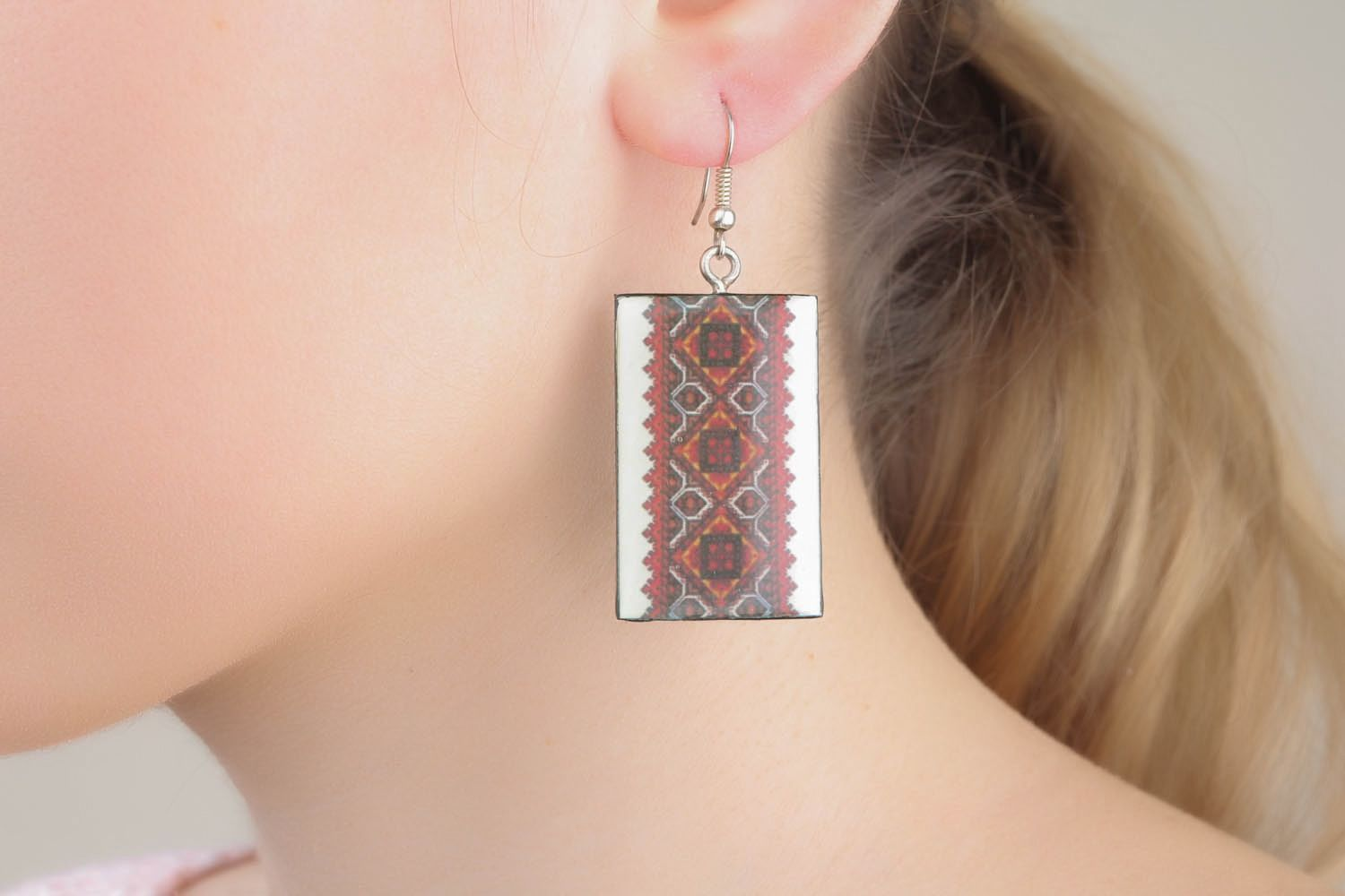 Earrings with ethnic patterns  photo 1