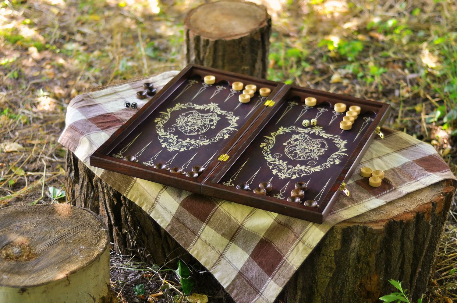 Wooden backgammon set photo 1