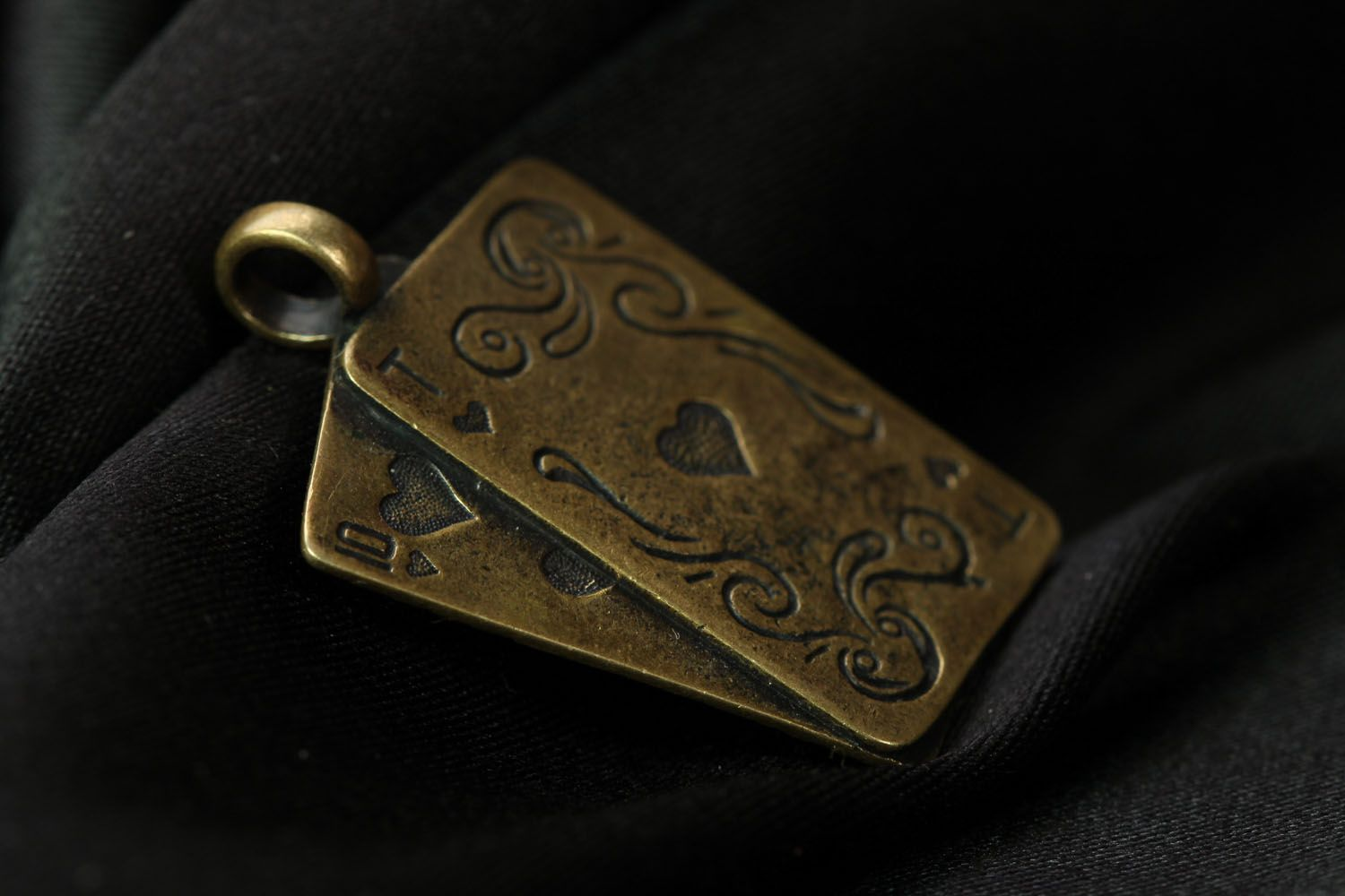 Bronze neck pendant Playing Cards photo 2