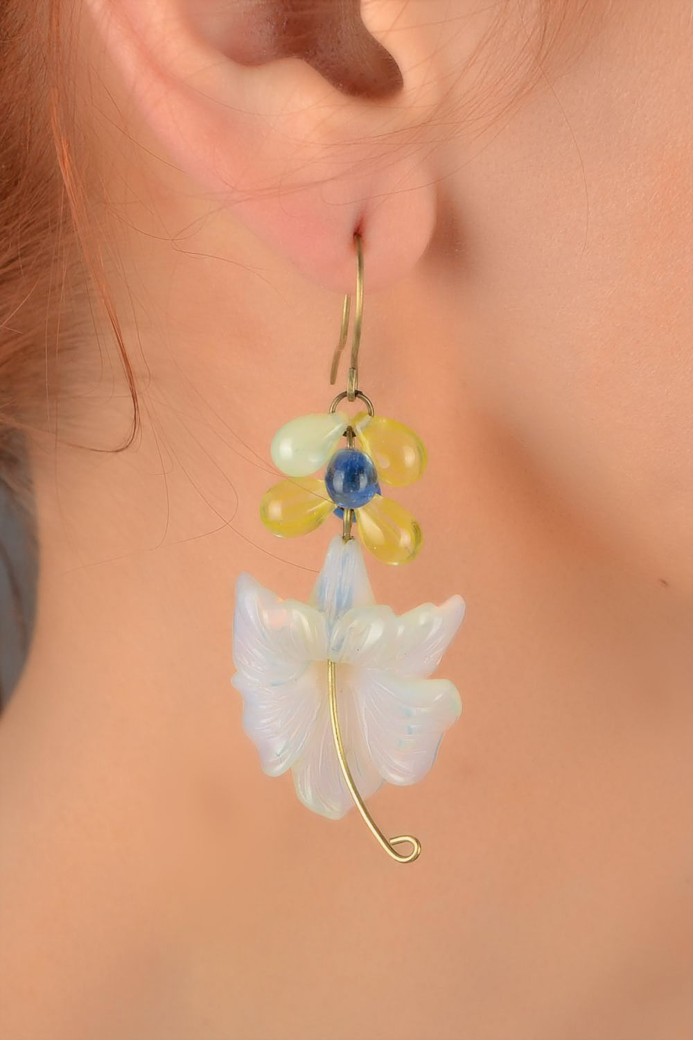 Handmade designer dangling earrings with tender Czech glass flowers photo 5
