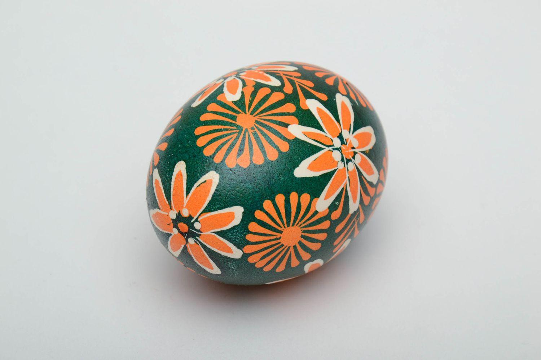 Handmade Lemkiv pysanka created of chicken egg photo 5