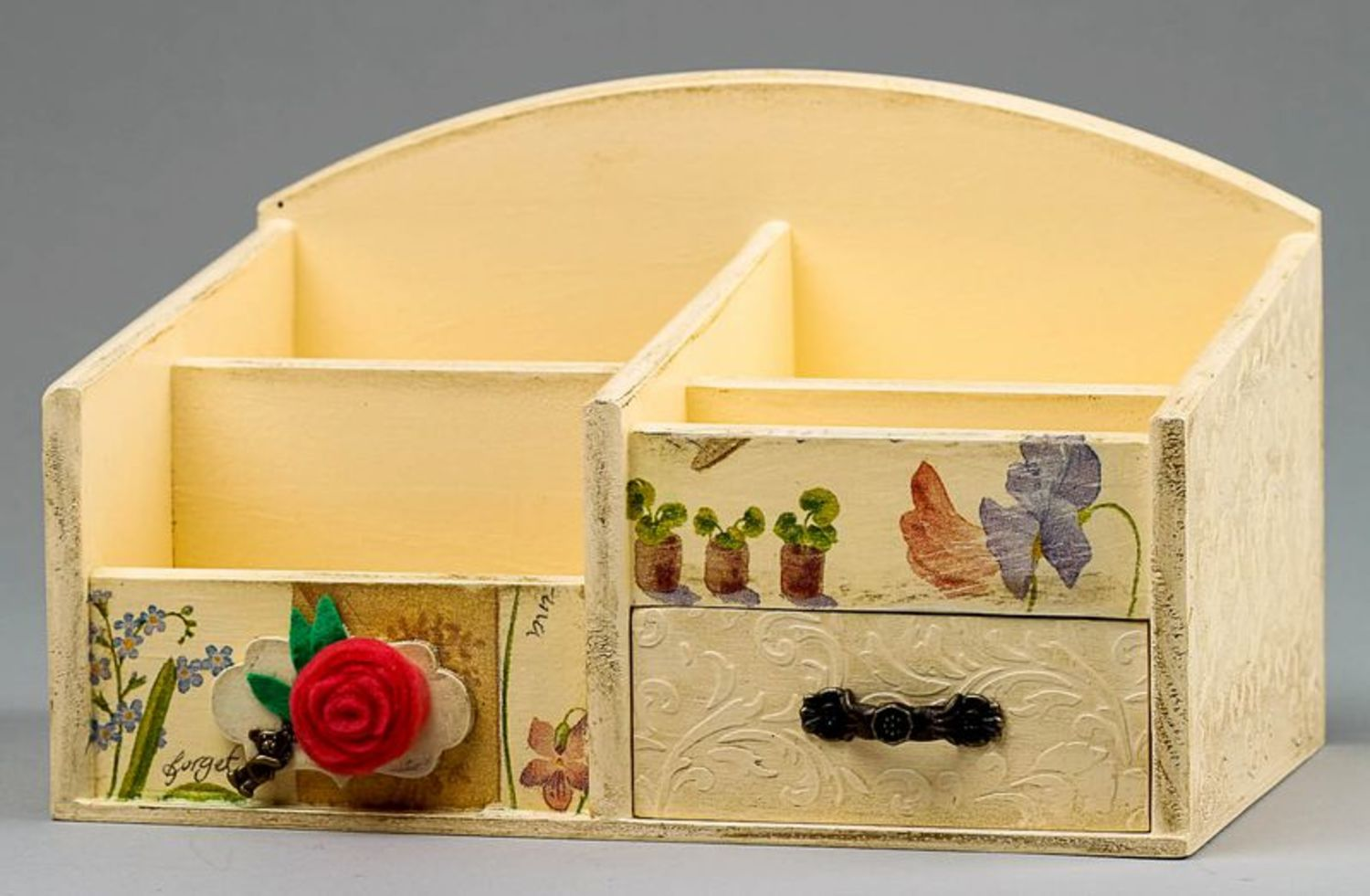 Wooden jewelry box with splotchy effect photo 2