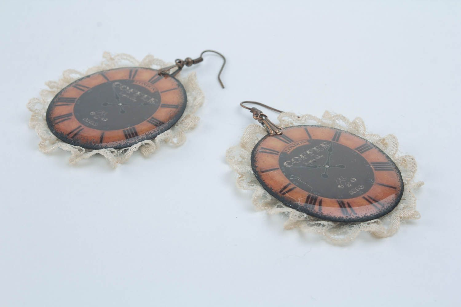 Earrings with lace photo 4