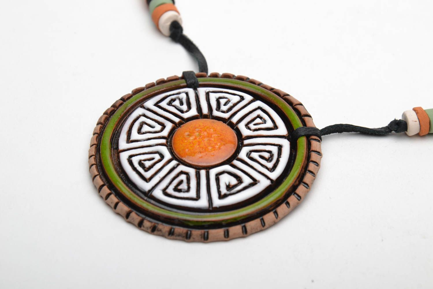 Ceramic pendant in ethnic style photo 4