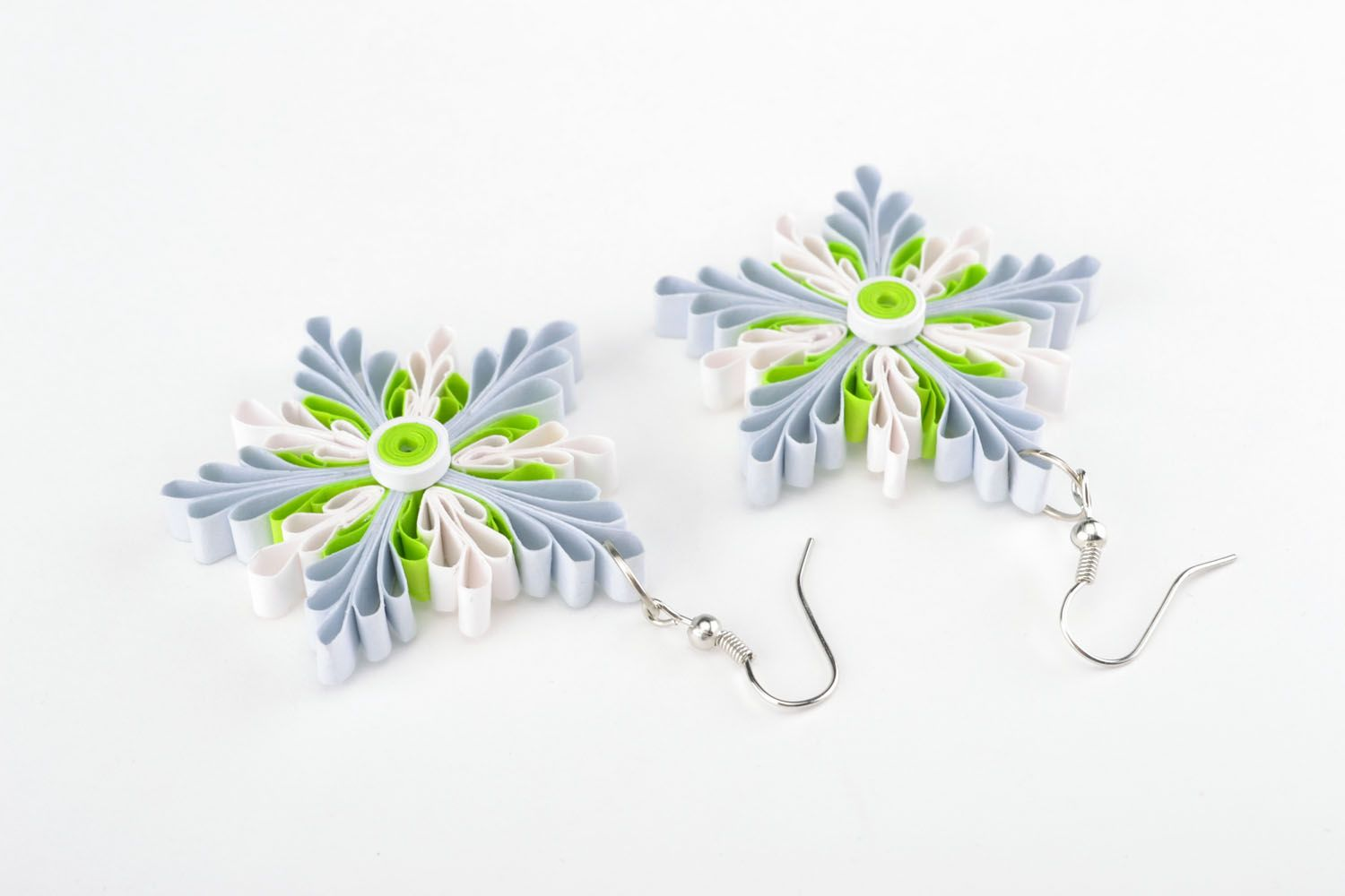 Quilling snowflake earrings photo 2