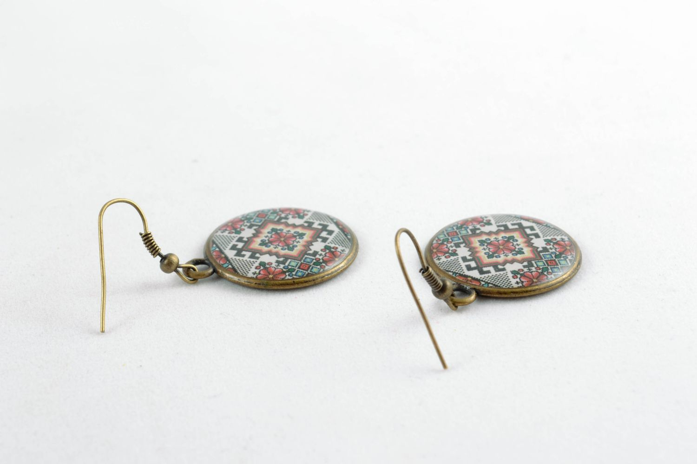 Runde Ohrringe aus Epoxidharz  foto 4