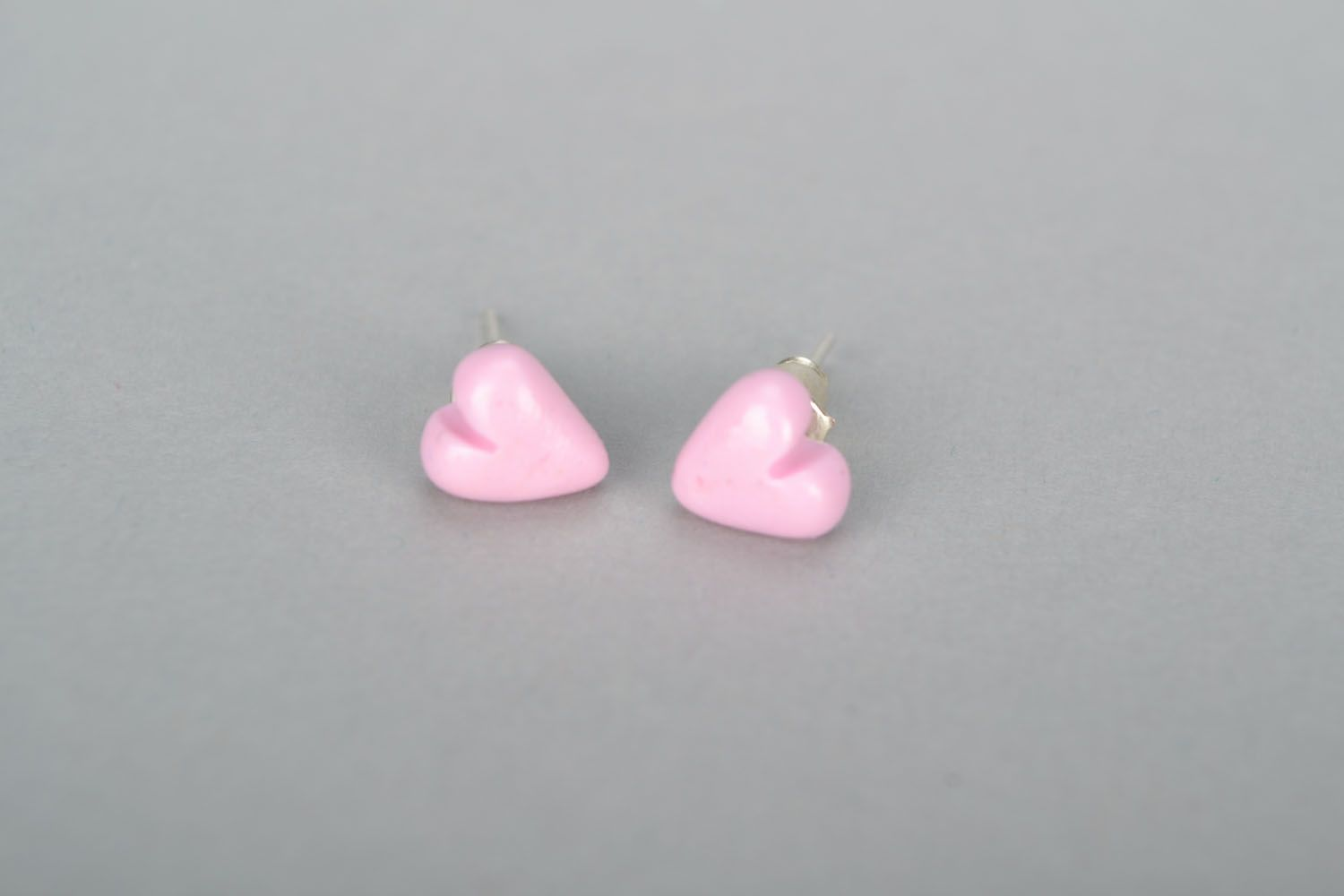 Stud earrings Hearts photo 3