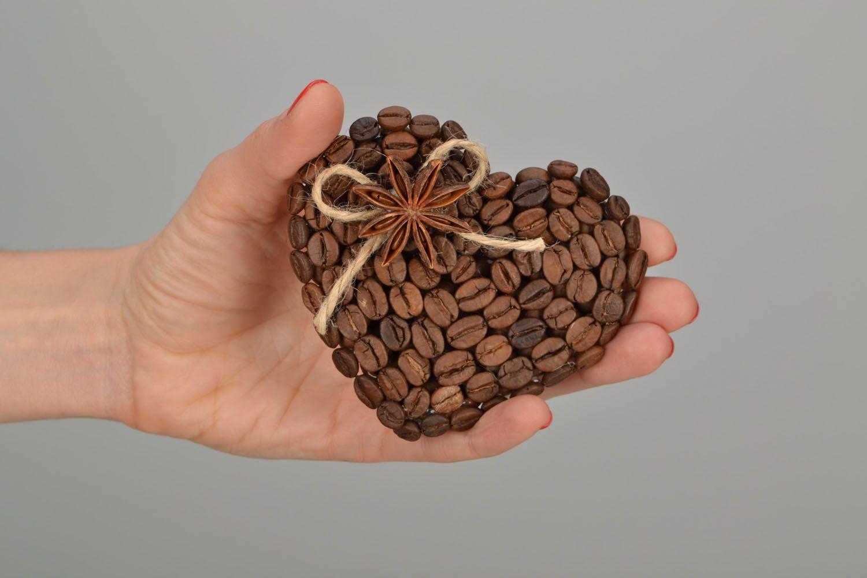 Fridge magnet made of coffee beans photo 2