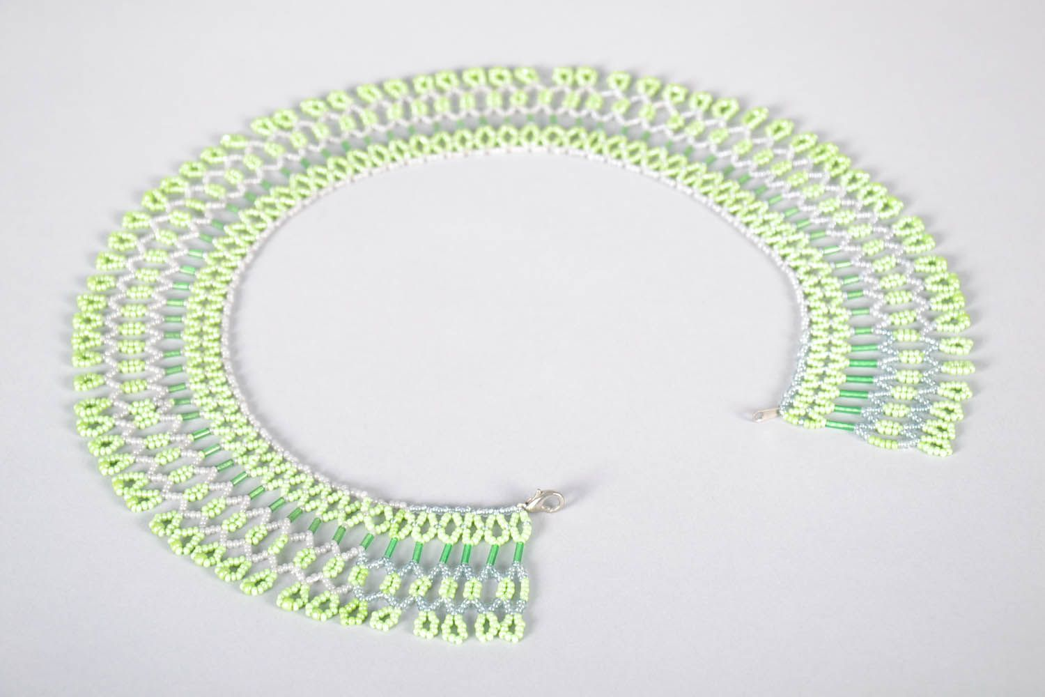 Beaded necklace photo 3