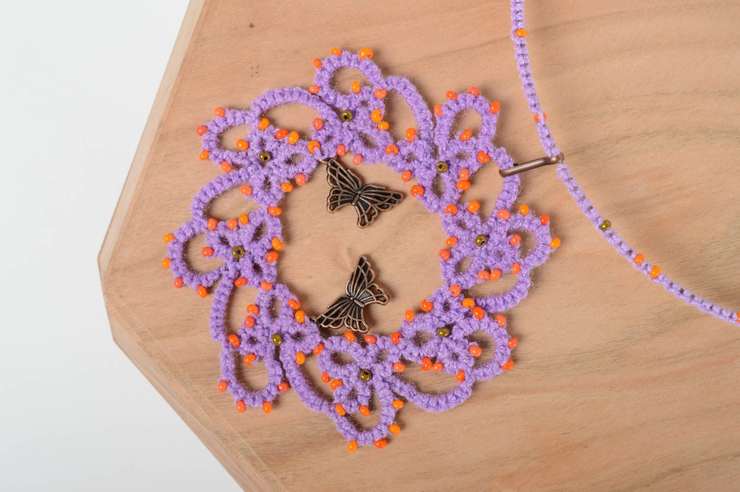 Textile tatting necklace photo 1