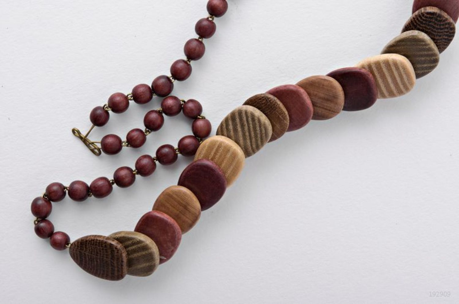 Wooden necklace photo 2