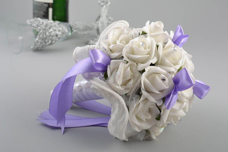 4774fc4844e accesorios para boda Ramo de novia de goma eva con forma de rosas blancas  hecho a