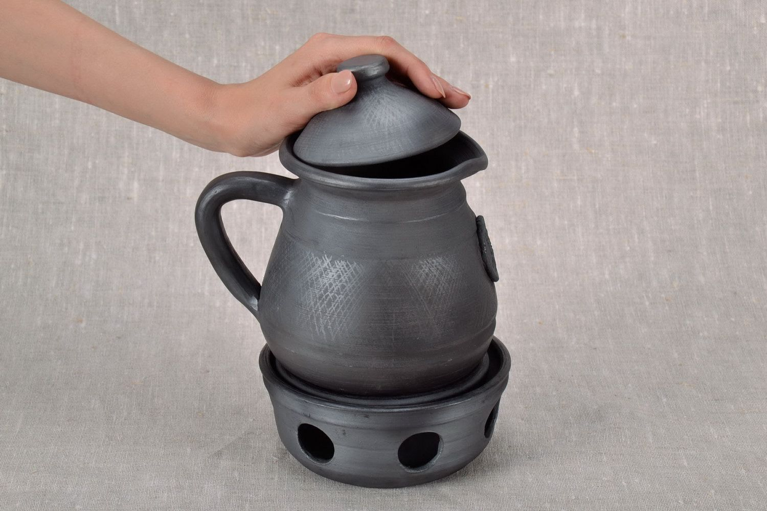 tea pots and coffee pots Clay coffee pot with capacity for heating - MADEheart.com