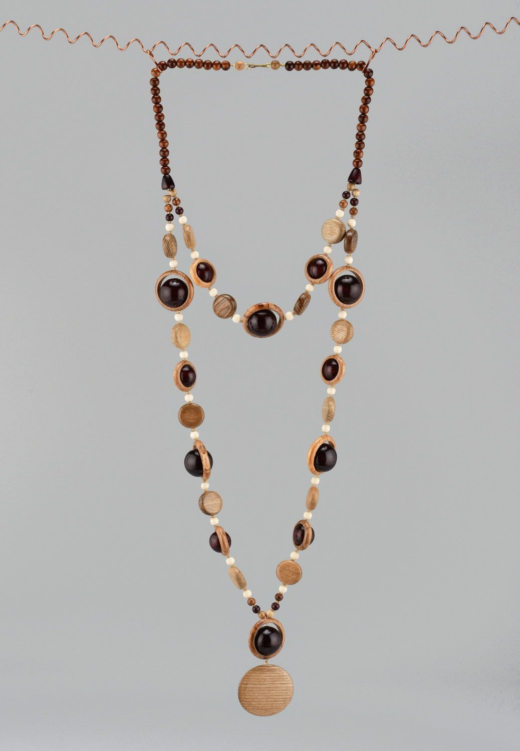 Wooden beaded necklace with clasp photo 2