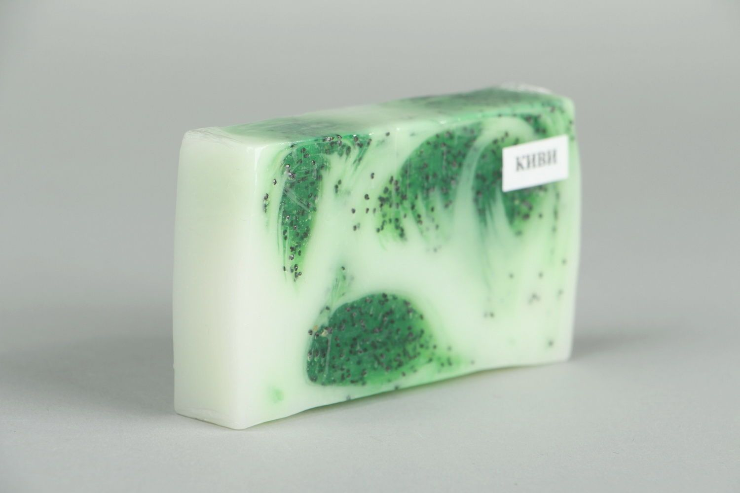 Homemade soap with the scent of kiwi photo 3