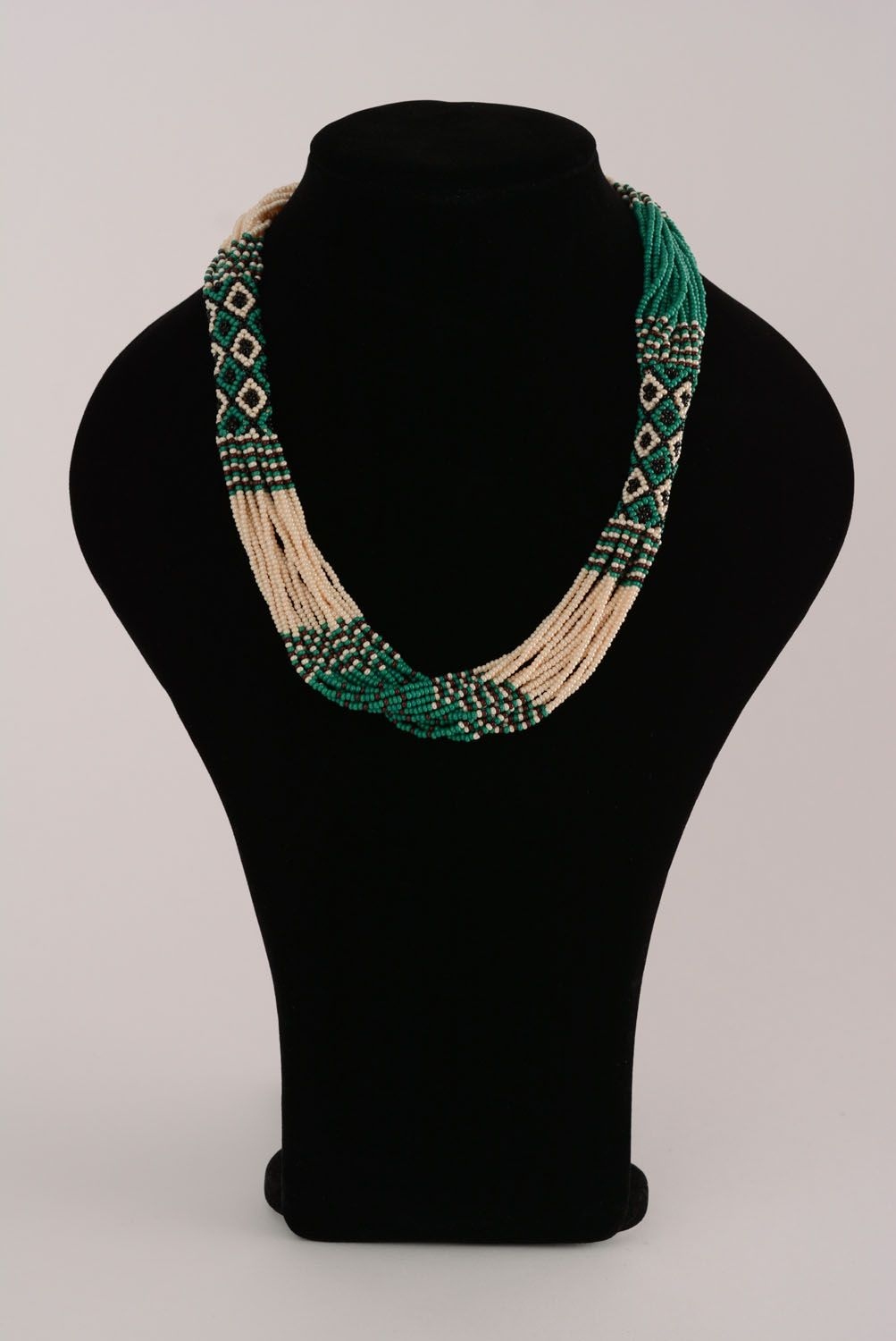 Ethnic beaded necklace photo 3