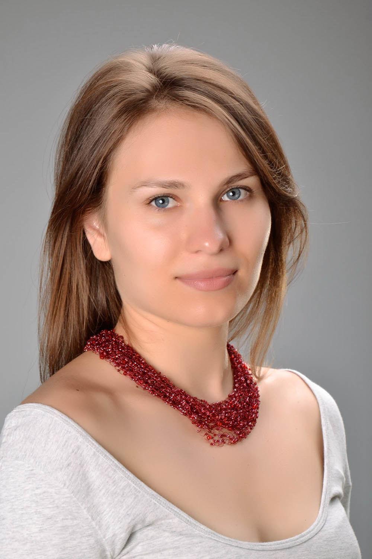 Collier rouge en perles de rocailles fait main photo 2