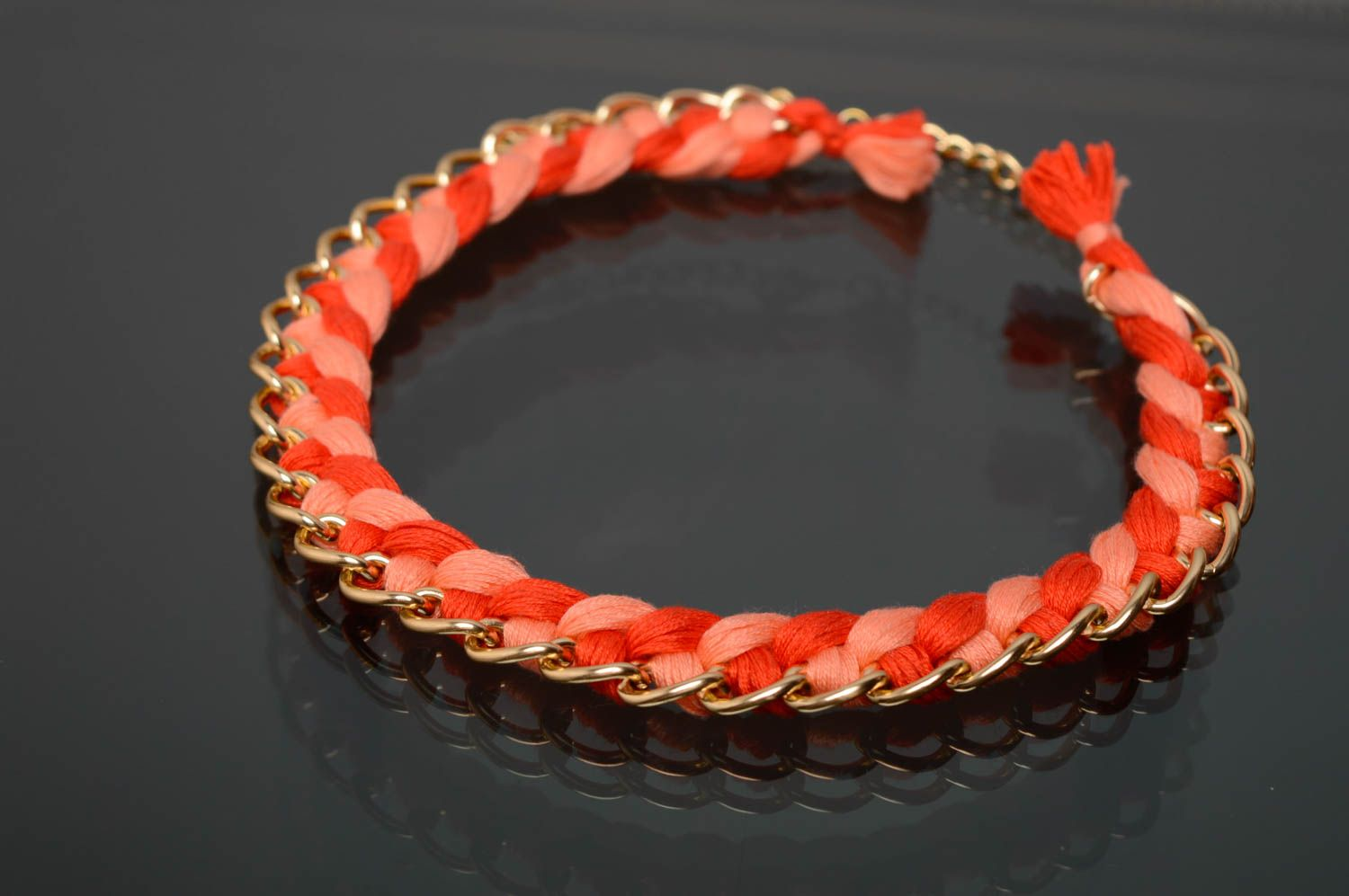 Coral woven necklace photo 1