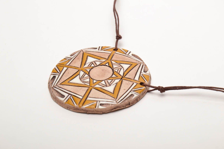 Round ethnic ceramic pendant photo 4
