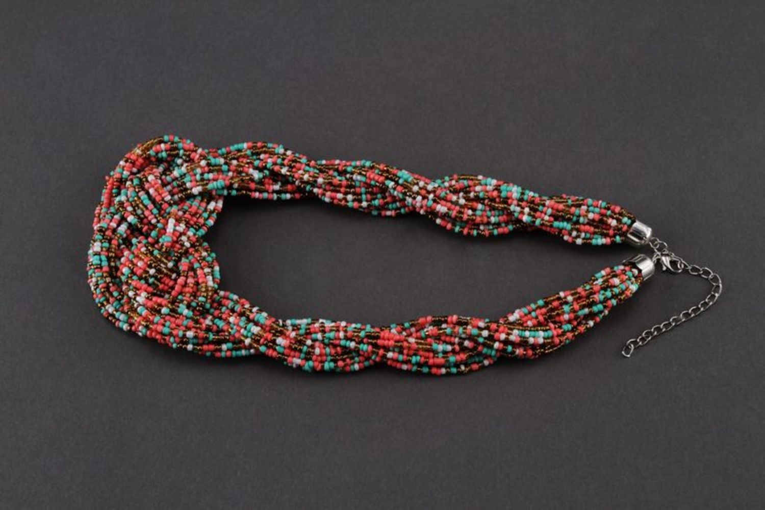 Necklace made of multicoloured beads photo 3