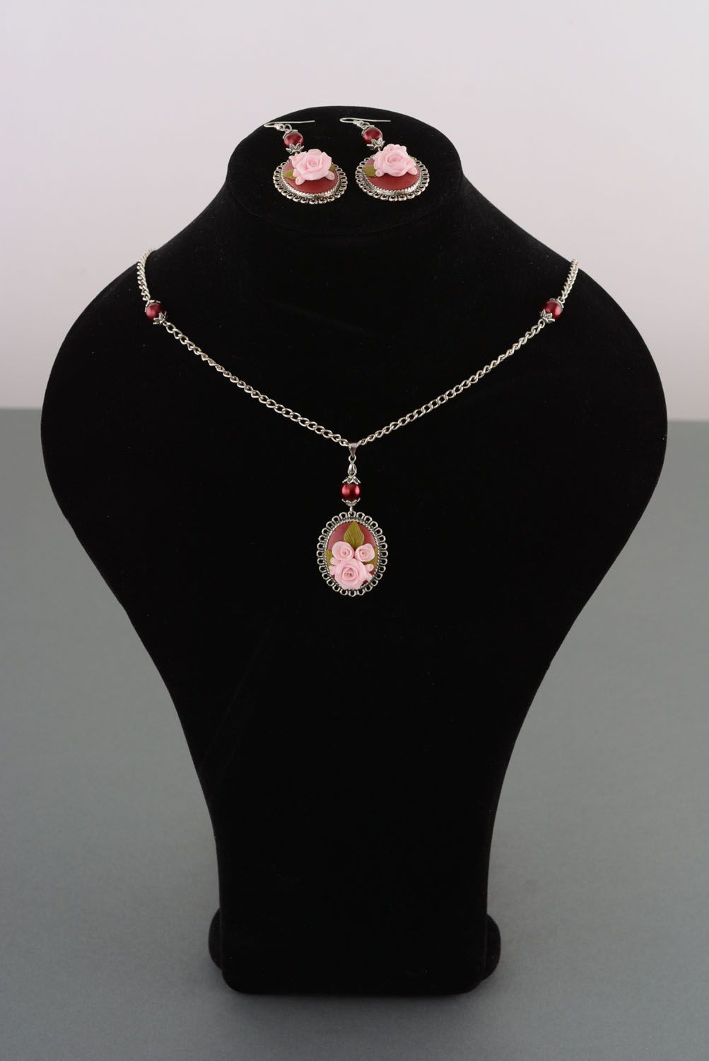 Plastic jewelry set Roses photo 1