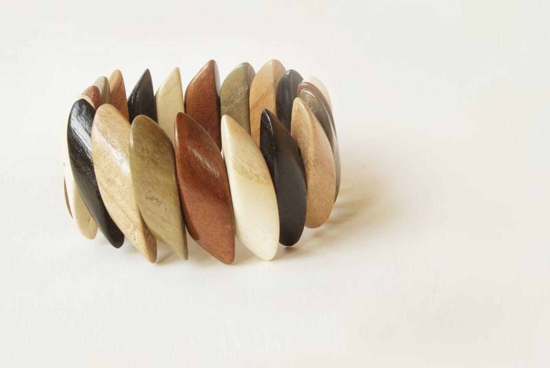 Wooden wrist bracelet photo 3