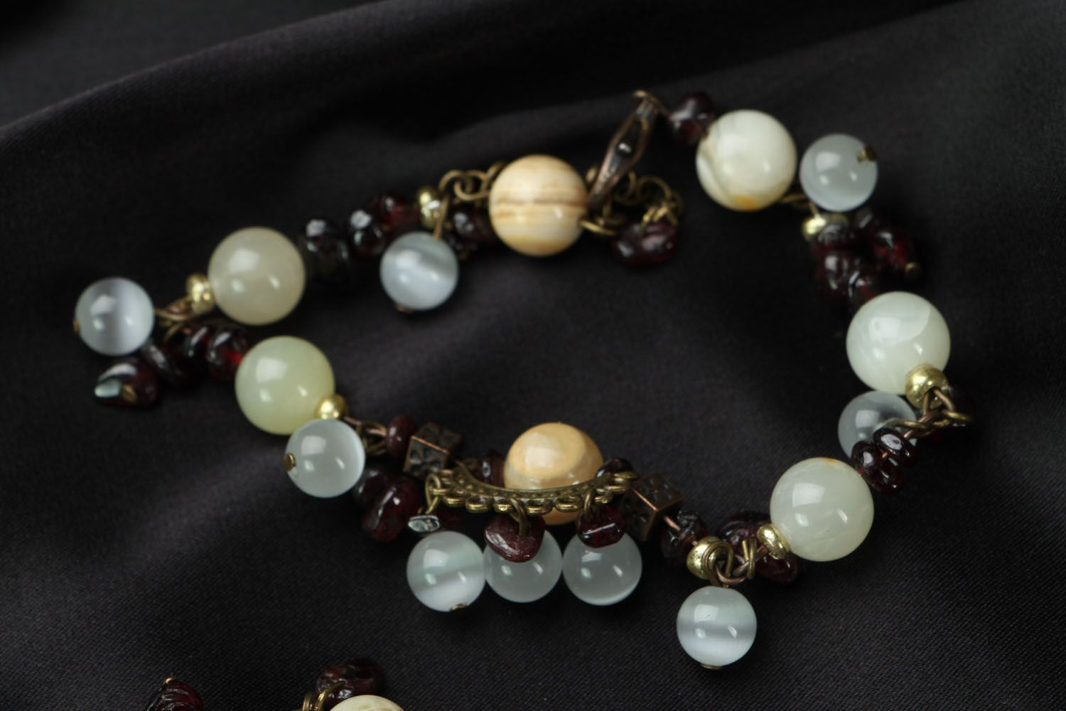 Jewelry set with onyx and garnet  photo 4