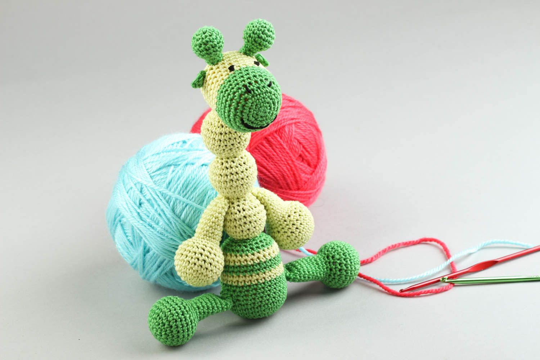 Вязание игрушек для новорожденных крючком 91
