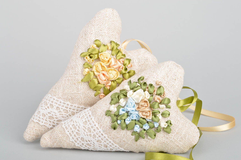 Set of 2 handmade flavored fabric interior hanging hearts sachet pillows photo 2