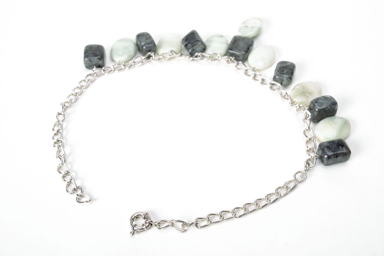 Elegant necklace with nephrite and labradorite photo 3
